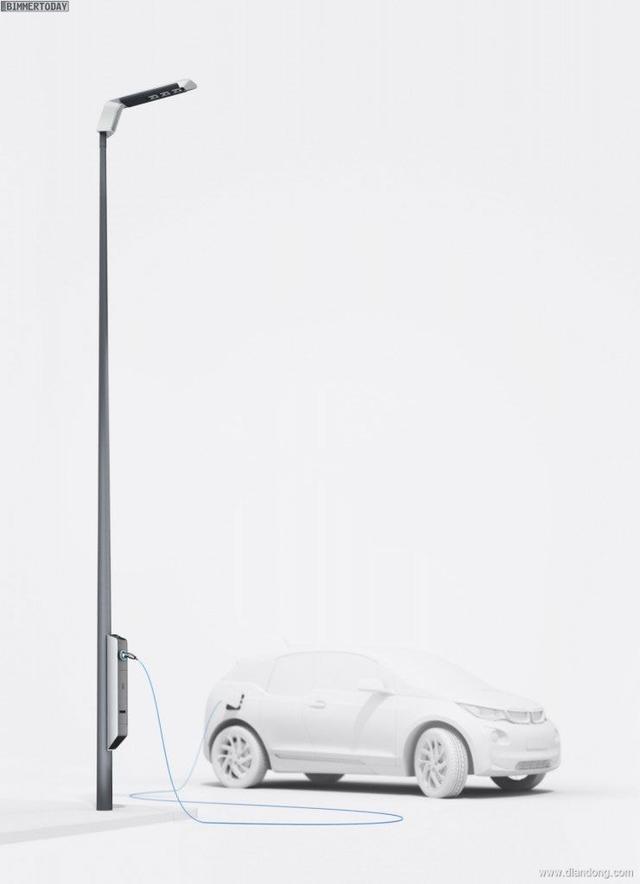 宝马路灯充电桩一柱两用解决充电难题