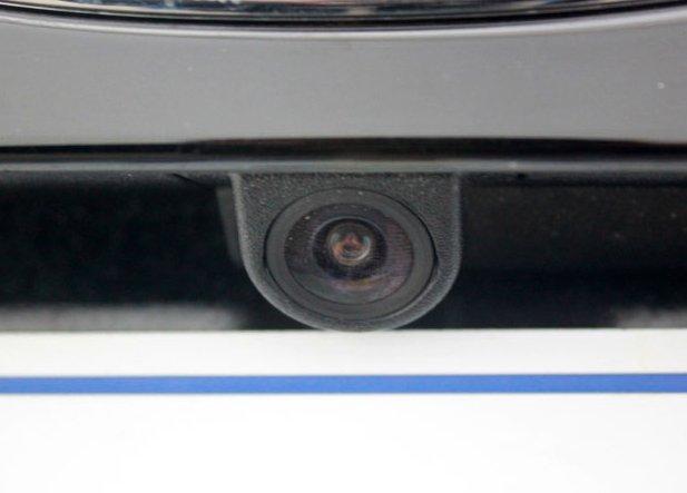安装倒车摄像头后备箱变大水池