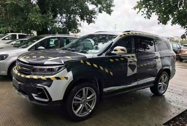 曝东风风行景逸X7路试谍照 定位7座中型SUV