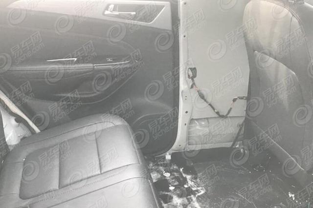 曝长安全新大型7座SUV谍照 或定位大型SUV