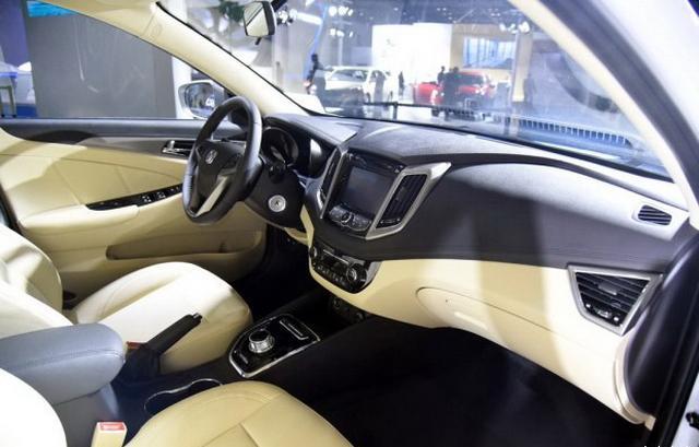 长清闲动EV300亮相 10月19日正式上市