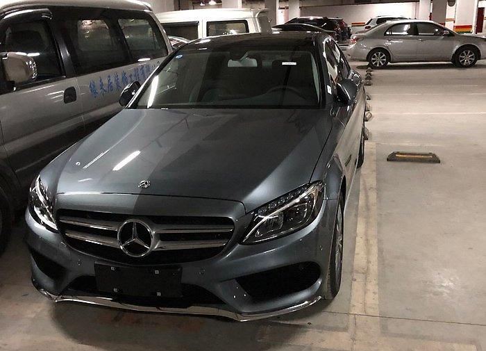 2018款月光石灰C200L 提车作业