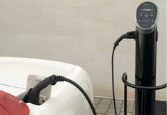 阿斯顿马丁将EV动力系统塞进经典的阿斯顿汽车中