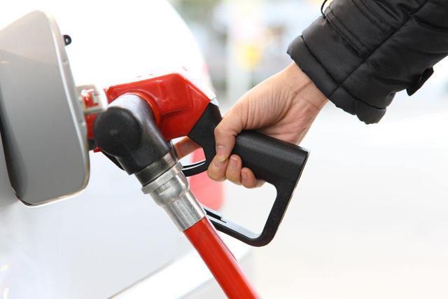 车内有汽油味怎么办?赶紧检查这些地方!