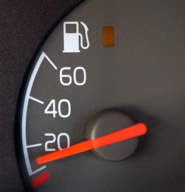 汽车到底怎么加油?看看你加的对不对