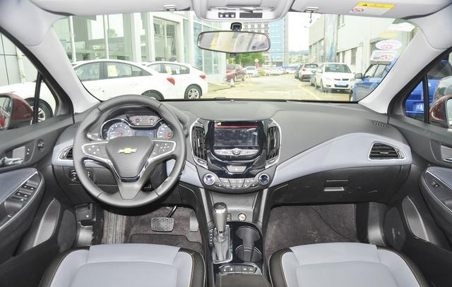 新婚购车 15万高颜值紧凑级座驾推荐