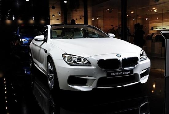 宝马M6成都车展正式上市 售价230.3万元