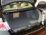 2012款雅阁后备箱