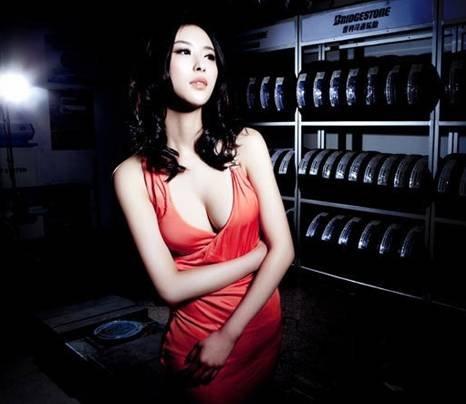 兽兽thunder_兽兽领衔香艳车模 5.1南京车博会将引热潮