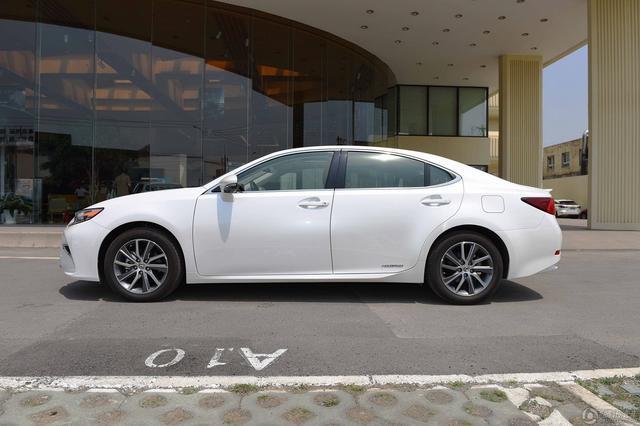 雷克萨斯ES三款新车型上市 售价38.8万元起