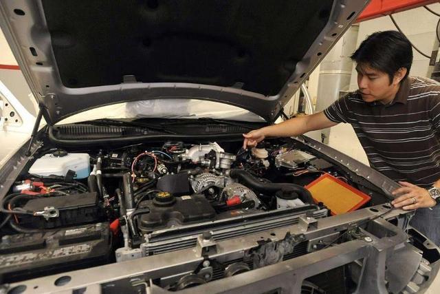 司机脚下三分油是啥意思 一箱油最起码少跑一百公里