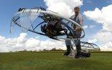 英国小伙发明悬浮单车