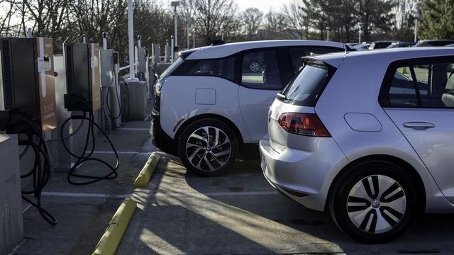 欧盟将推行零排放汽车积分制 2030年汽车比例达15%