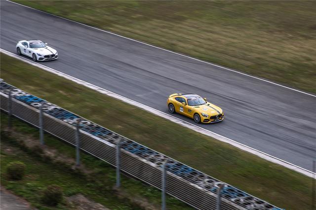 终于把灵魂献给AMG 赛道上名为GT R的原谅绿