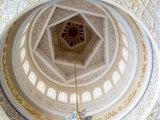 谢赫扎伊德清真寺内部顶很精美