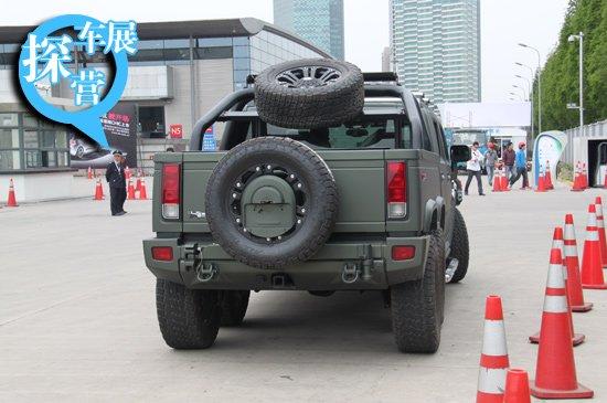[上海车展探营] 6轮霸气改装悍马H2现身