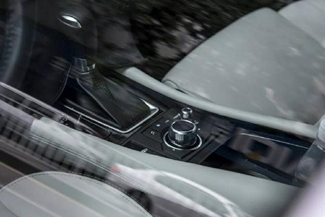 小汽车手刹结构图片