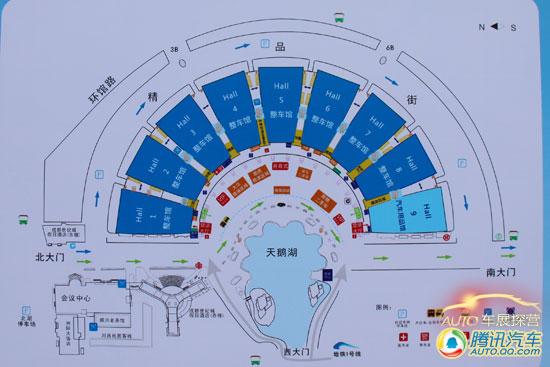 会展中心共有9个展馆,呈半圆形分布