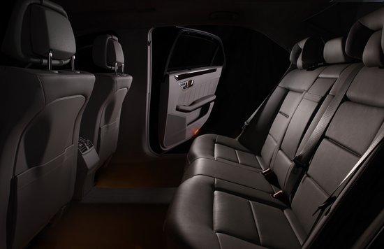 北京奔驰长轴距E200L CGI优雅型正式上市