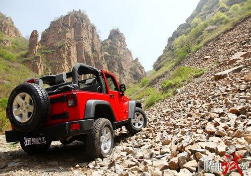 术有专攻 腾讯试驾Jeep牧马人罗宾汉