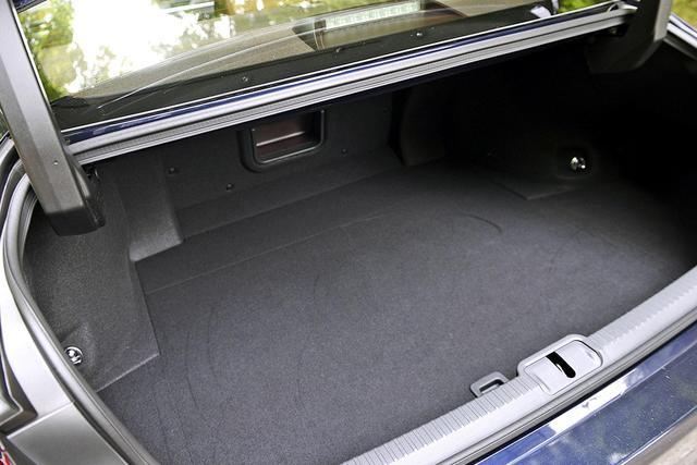 推8款车/或售28.5万起 新一代雷克萨斯ES今上市