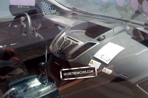搭载1.6T发动机 曝福特Grand C-MAX谍照