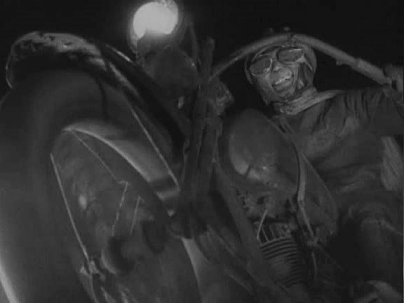 当金属机器邂逅光影幻象 电影中的汽车进化论