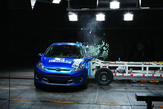 福特新嘉年华 碰撞测试-五星级碰撞评价 2011年中国安全车型推荐