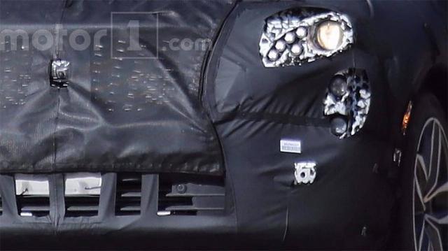 凯迪拉克XT4谍照曝光 或配备自动驾驶手艺