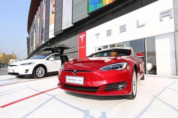 特斯拉超级工厂开始量产锂电池