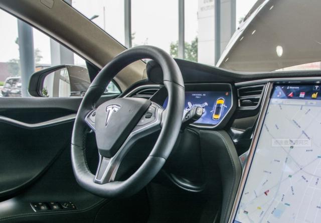 特斯拉将停售Model S和X部分车内选配