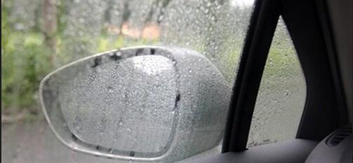 雨天后视镜和车窗看不清 一招教你轻松解决