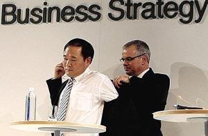 图说车事:沃尔沃全球总裁亲自为李书福脱衣