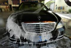 烈日下千万别洗车!这几种洗车方式又费钱还毁车