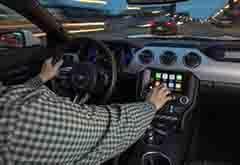 谷歌苹果遇最强联盟 13家车企加速开发车载系统