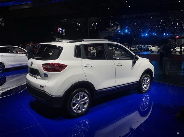 长安推出三款新能源车型 10月19日上市