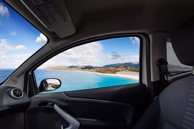 为什么很多老司机上路时 从来都是开一个车窗_汽车