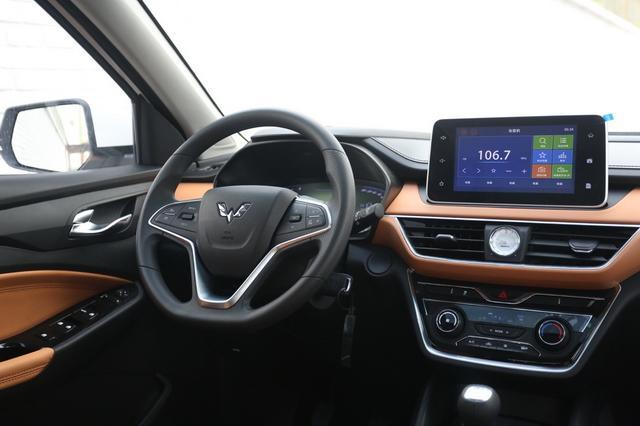 五菱宏光S3实车到店 将于11月正式上市