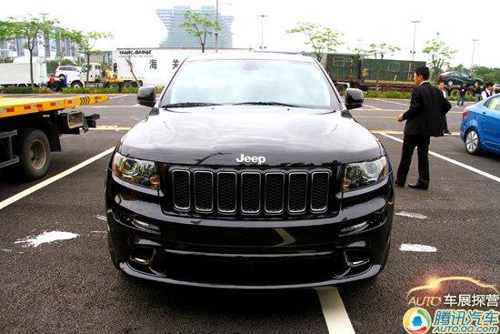 jeep大切诺基srt8加速进场 高清图片