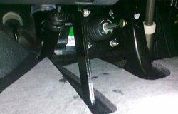 MG6离合器维修作业
