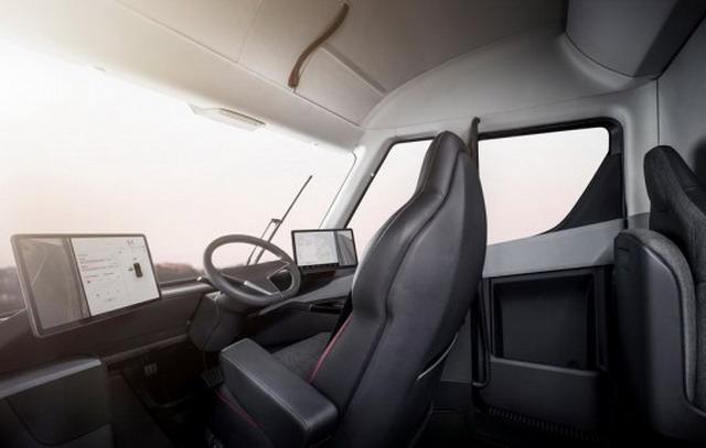 最快的量产重卡 特斯拉Semi首发