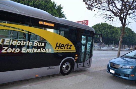 比亚迪纯电动巴士用于洛杉矶机场摆渡服务高清图片