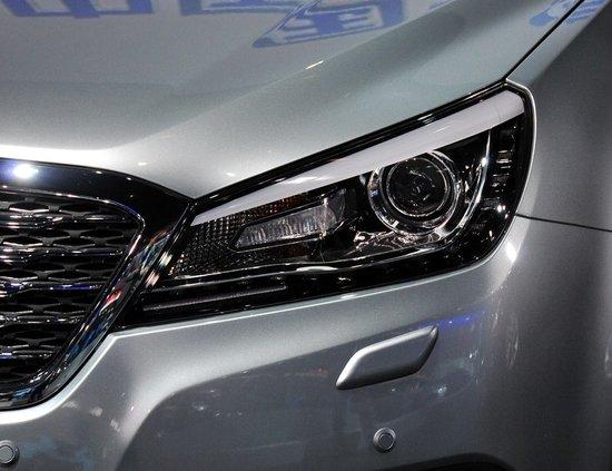 奔腾B90车展发布 一汽轿车全新旗舰车型