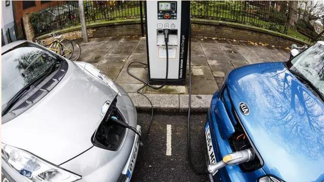 英国电动车充电难 五项建议措施或将扭矩局面