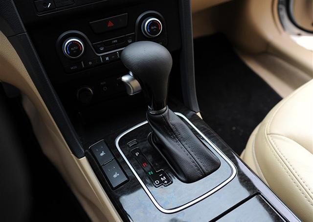 2015款海马M8购车手册 推荐1.8T舒适型高清图片