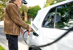 """大众在解决""""潜在安全问题""""后全面重新开放电动汽车充电网络"""