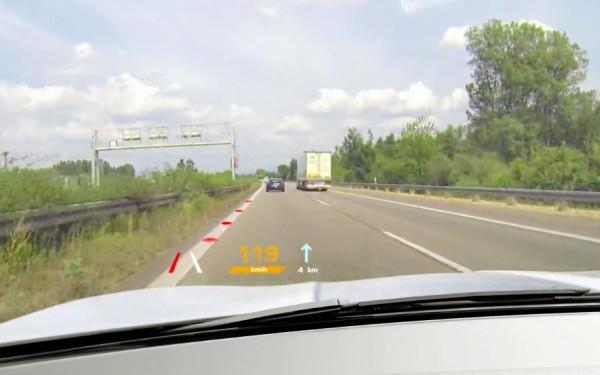 德国马牌挡风玻璃增强现实技术 提升人车交互体验