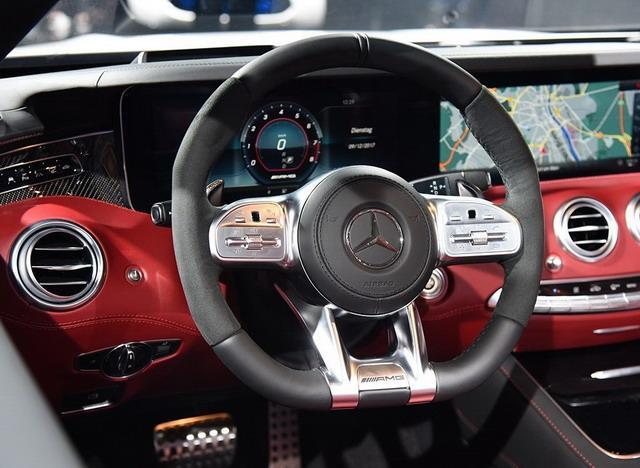 外观更具攻击性 曝新款AMG S 63 Coupe谍照