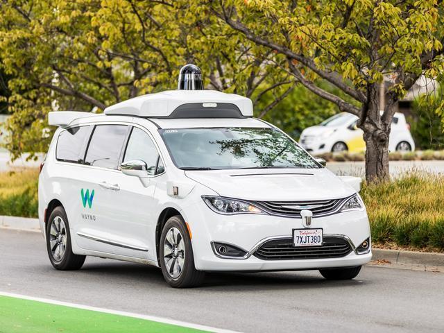 Waymo路测近2000万公里 自动驾驶走进生活道阻且长