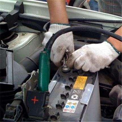 爱车油耗如喝水 一个小动作一个月能省1箱油